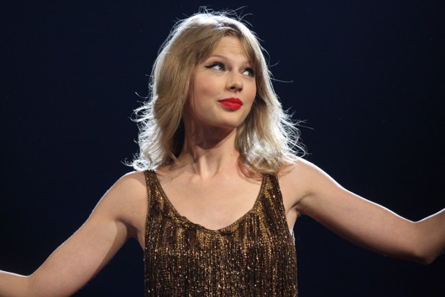 Taylor Swift Album of Only Farts Goes Platinum