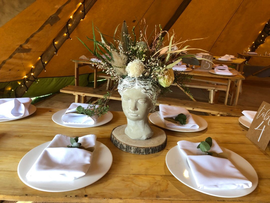 Table Styling in Tipi at Horseshoe Farm