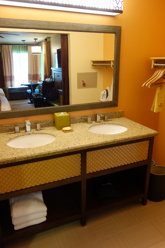 Five Person Queen And Murphy Bed Rooms At Disney S