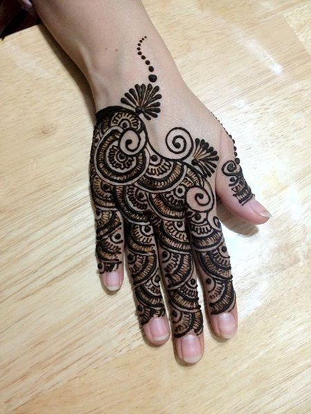 Finger Mehndi Designs For Brides To Try On Weddings 6