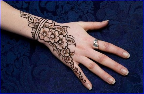 Bridal Eid Mehndi Designs For Summer Events