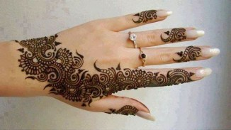 Fancy Mehndi Designs For Summer Season Weddings 10