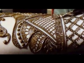 Fancy Mehndi Designs For Summer Season Weddings 14