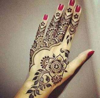 Fancy Mehndi Designs For Summer Season Weddings 5