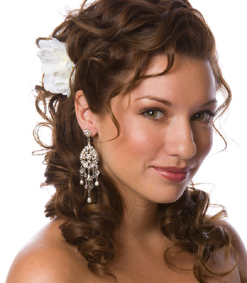 Curly Hairstyles For Wedding For Every Season 7
