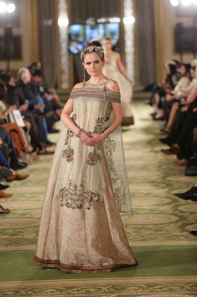 Fancy Bridal Formal Wear Modern Dresses 2017 18