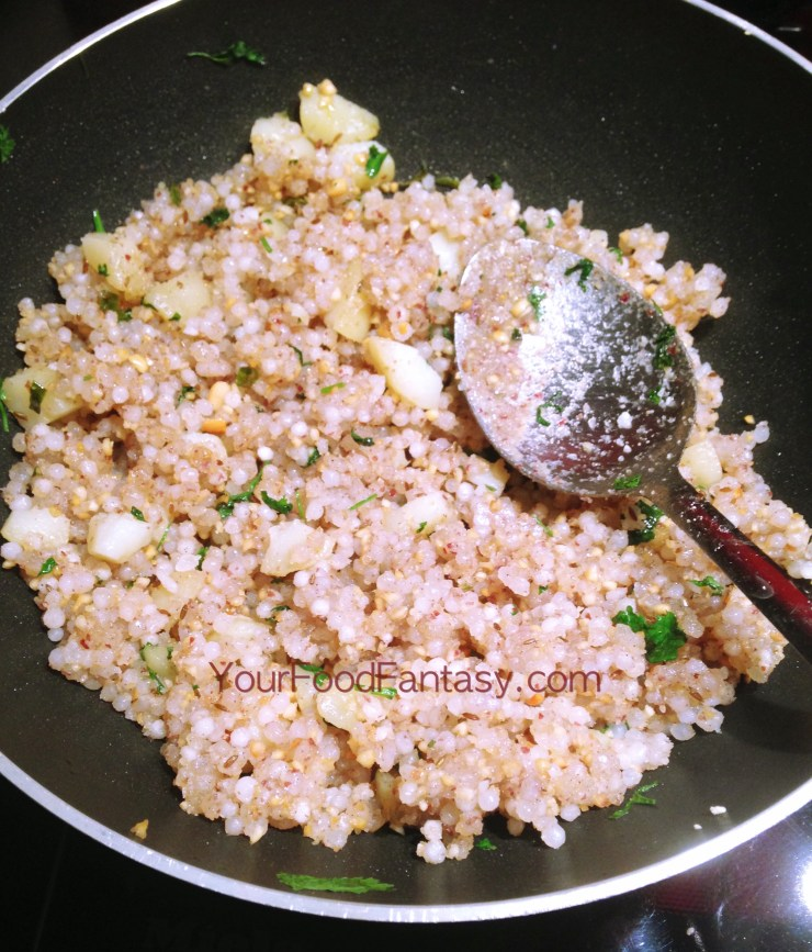 Sabudana khichdi recipeat-yourfoodfantasy.com by meenu gupta
