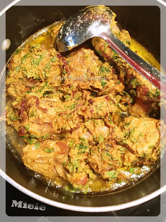 chicken cooking for chicken biryani prepration recipe at yourfoodfantasy.com by meenu gupta