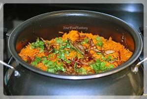 layering of chicken in chicken biryani preparation recipe | yourfoodfantasy.com