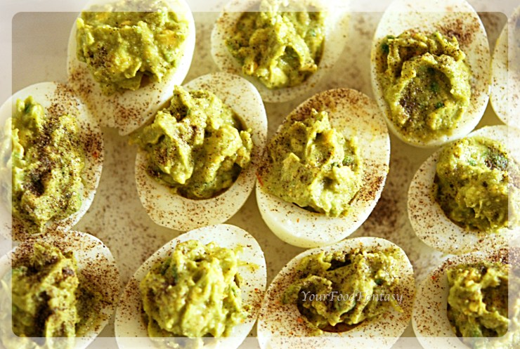 Healthy Avocado Eggs at your food fantasy |yourfoodfantasy.com