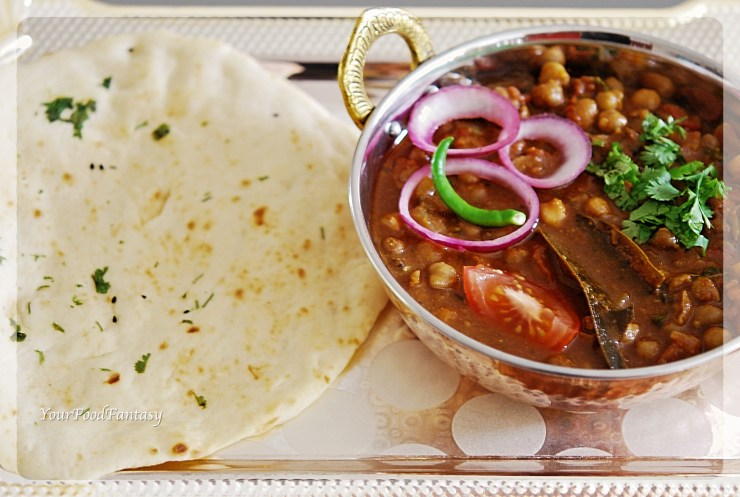 Punjabi Chole | YourFoodFantasy.com by Meenu Gupta