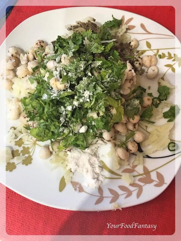 Makhana Cutlet Recipe | Mixing Potato and Coriander with Makhana