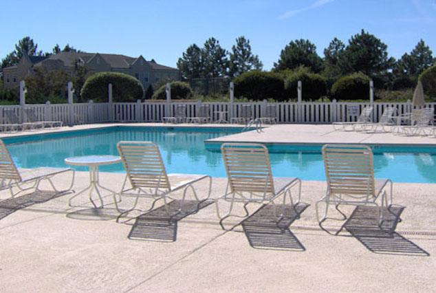 Legends Golf Villa Pool MB