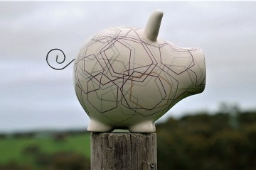 piggy bank 2878838 1280 filter - sustainable banks