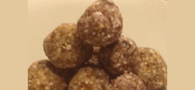 cashew date balls