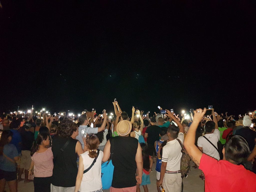 Boracay Symbolic Switch Off of lights for Unity ahead of the closure March 2018
