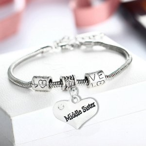 bracelet-ladies-middle-sister-heart-diamante-charm
