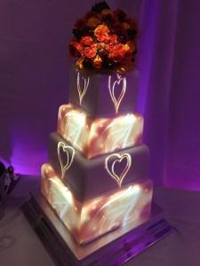 heart-swirl-projection-wedding-cake
