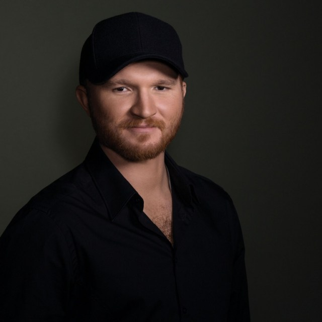 Eric Paslay Makes Visits To Local 'Angels'
