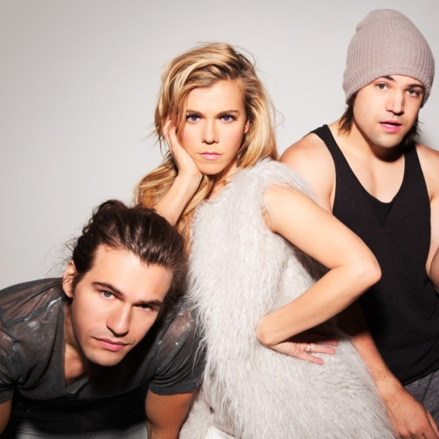 The Band Perry Wins Big Bucks For Teen Cancer America On Family Feud