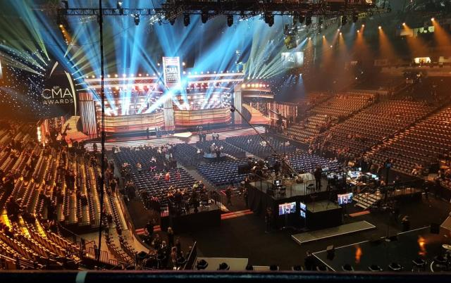 REVIEW: 51st CMA Awards, Bridgestone Arena….From A Fan's Perspective