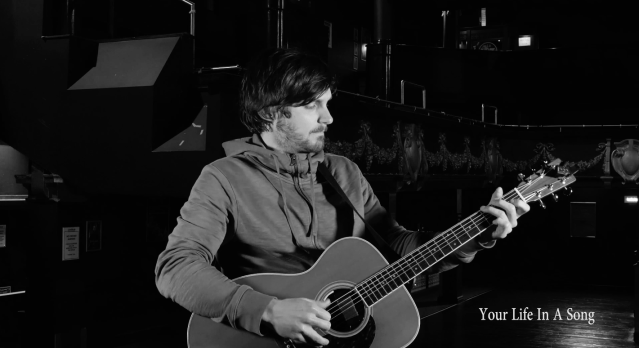 LIVE SESSION: Charlie Worsham – 'The Beginning Of Things'