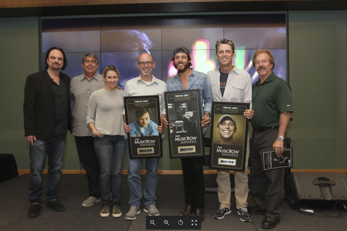 Chris Janson's 'Drunk Girl' Wins MusicRow's Song Of The Year Award