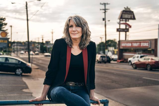 GIG REVIEW: Kathy Mattea – Live At Kings Place, London