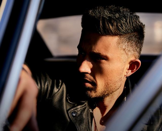 Michael Ray Readies New Single 'Her World Or Mine'