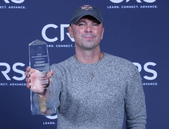 Kenny Chesney Awarded Humanitarian Of The Year At CRS