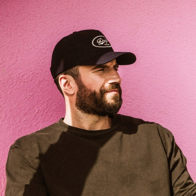 Sam Hunt Releases 'Hard To Forget' Music Video