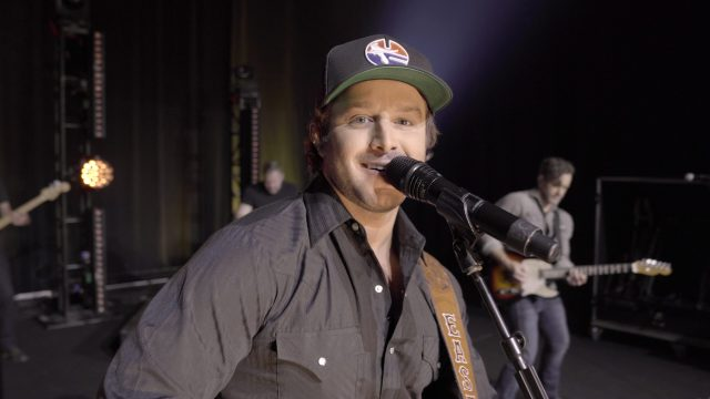 Easton Corbin Performs 'Didn't Miss A Beat' On TODAY Show