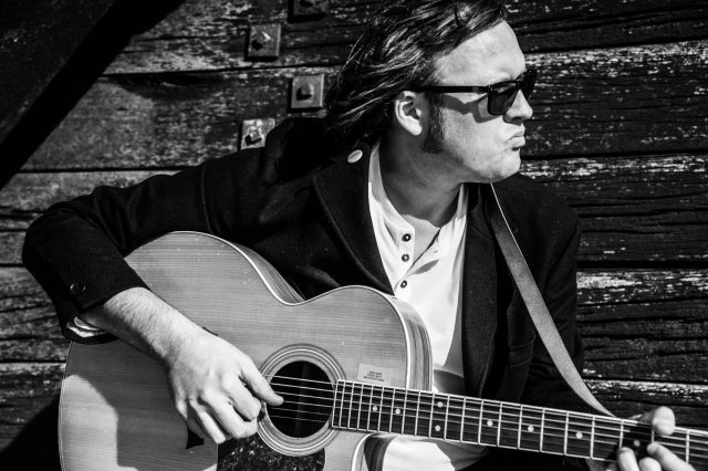 Robert Vincent Shares Video For 'The Ending'