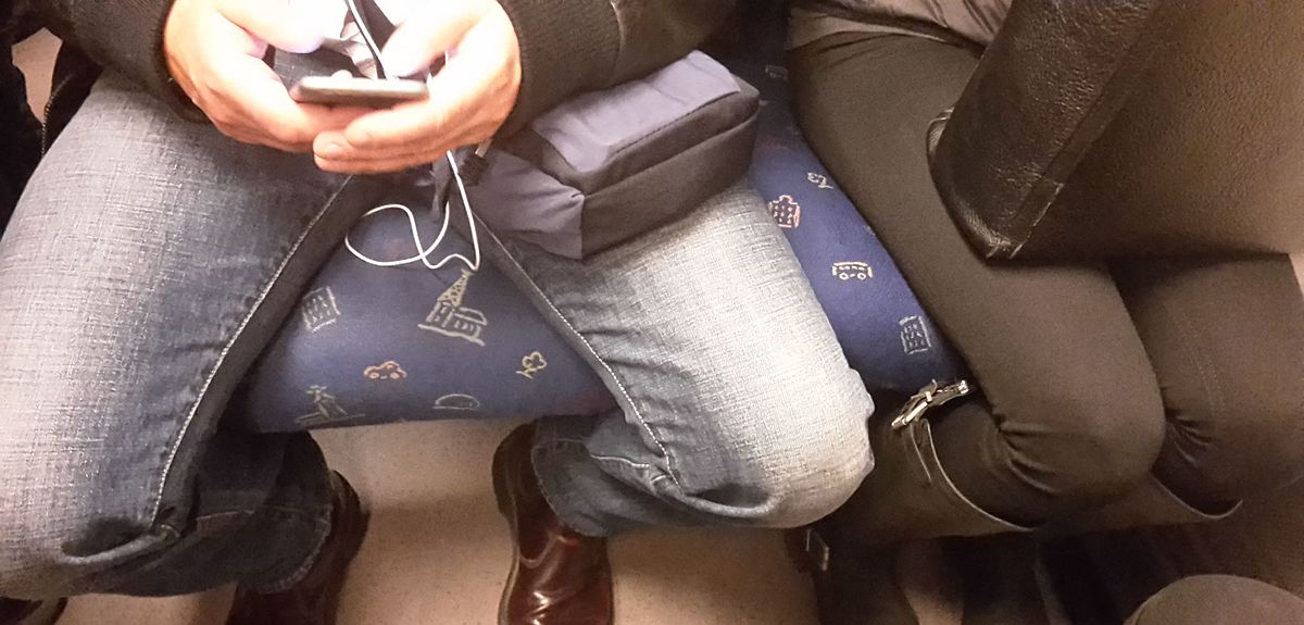 How To Stop A Manspreader On A Plane In Three Easy Steps
