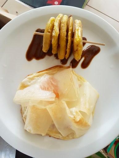 Egg brique with Patacones