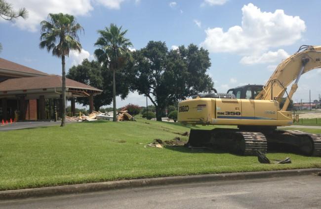 Two Florida Men Steal Backhoe, ATM Machine, Caught