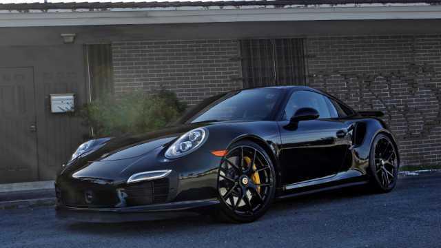 Detroit Motor Show 2016 Porsche Launches 2016 911 Turbo S Turbo