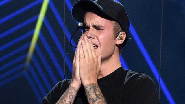 Justin Bieber Sheds Tears Unabashedly After his Spectacular VMA 2015 Performance
