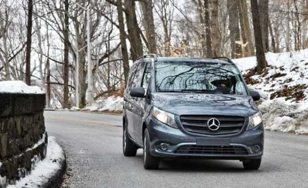 2016-Mercedes-Benz-Metris