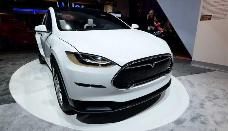 Tesla Model X – All Autopilot Features Explained