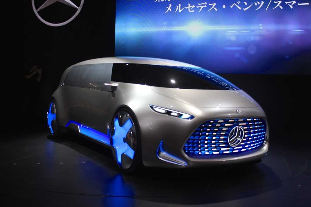 Mercedes Benz Vision Tokyo is a Connected Lounge for Gen Z