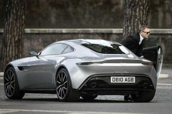 james-bond-aston-martin-db10