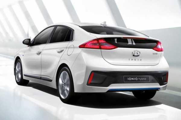 Hyundai-Ioniq-rear-1
