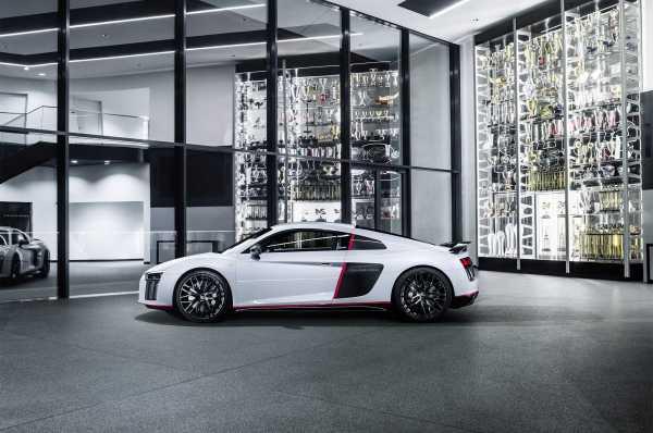 2017 Audi R8 V10 Plus Selection 24H side