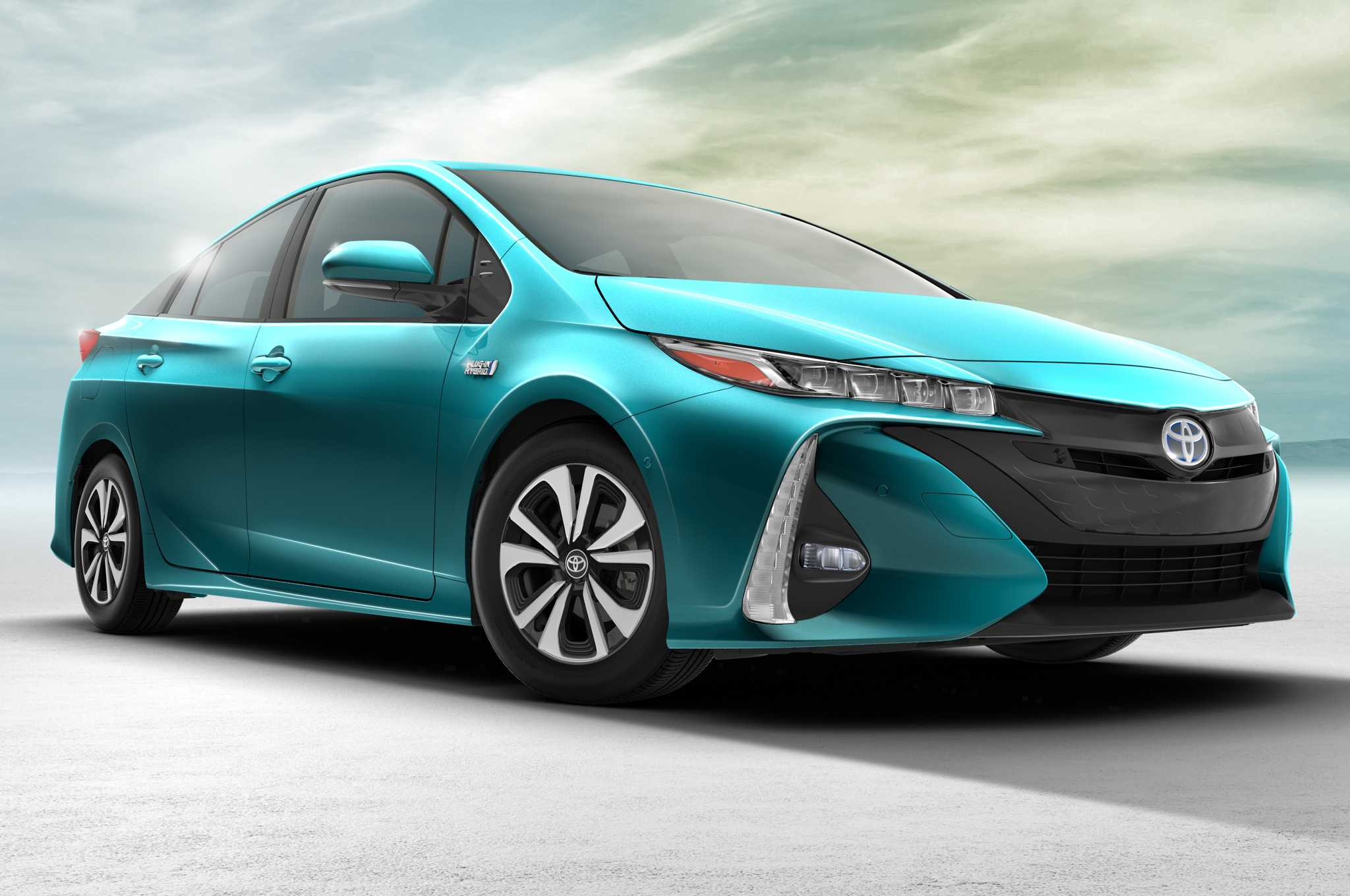 Toyota Prius Plug-in to Integrate Solar Panels in Japanese Edition