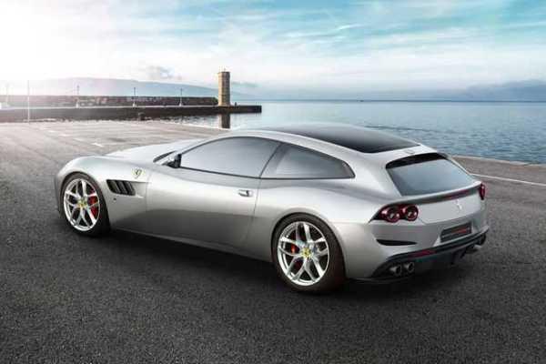 2018 Ferrari GTC4 Lusso T rear