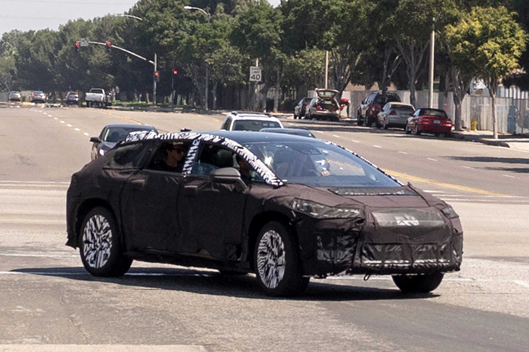 Faraday Future Electric Test Mule Spotted on the Road