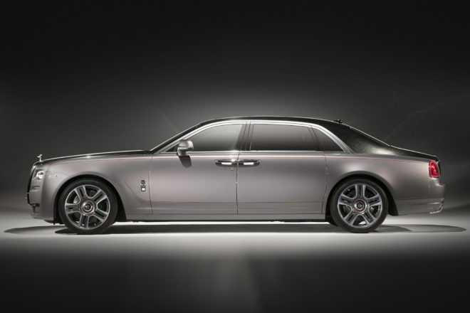 Rolls Royce Ghost Elegance Redefines Luxury with Real Crushed Diamond Paint
