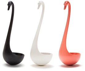 funny-floating-swan-shaped-ladle-by-ototo-design-3