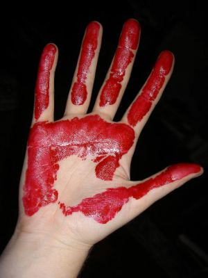 Suspense-Short-Story-blood-red-hand